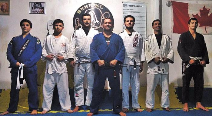 Escola de jiu-jitsu Behring Paraná Mestre Sylvio Behring Professor Davidson