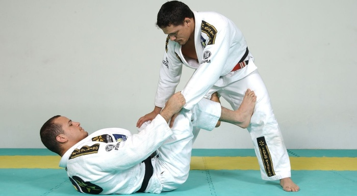 #BJJworldmaster2016: Xande Ribeiro teaches a sweep and invites to a seminar