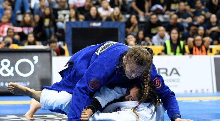BJJ Worlds 2016: Dominyka Obelenyte vs. Beatriz Mesquita