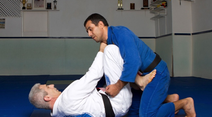 BJJ techniques: José Beleza teaches how to sweep and finish with the armbar