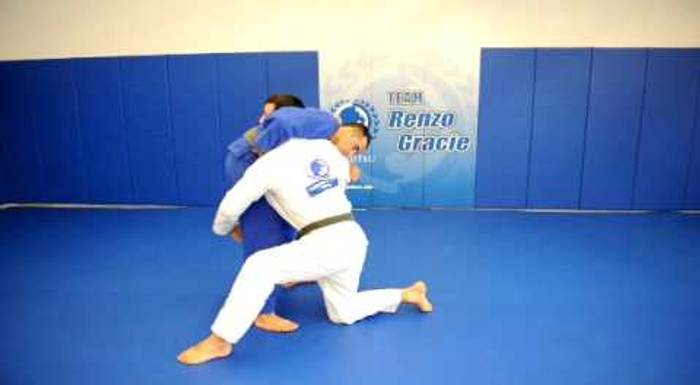 BJJ technique: Rolles Gracie teaches a takedown to get the side control
