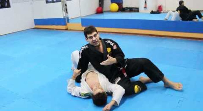 Brazilian Jiu-Jitsu lesson: Plexus and diaphragm locks