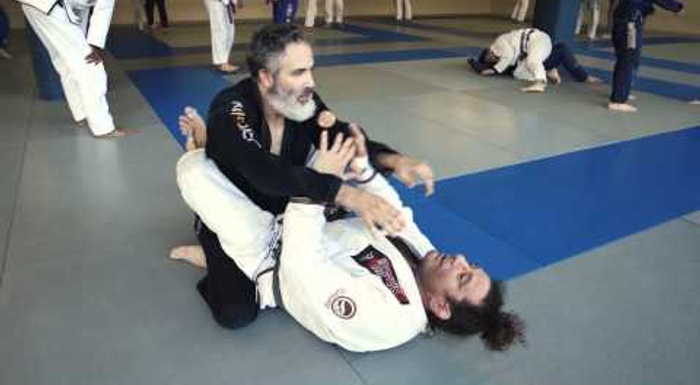 BJJ fundamentals: armbar from closed guard