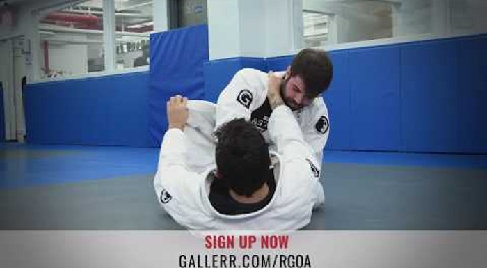 Robson Gracie: Choke 'em with help from the lapel