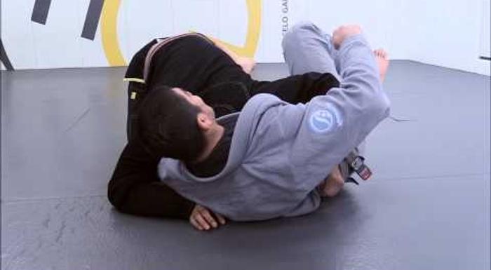 Brazilian Jiu-Jitsu lesson: Dillon Danis shows details to applying an efficient guillotine choke