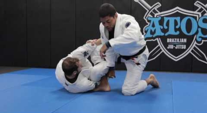 BJJ lesson: André Galvão demonstrates the new guard called monkey tail