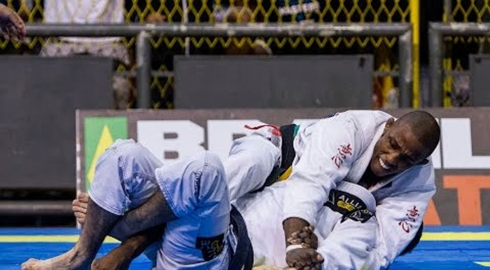 Isaque Paiva vs Vitor Genovesi final BJJ match at Rio winter Open 2016