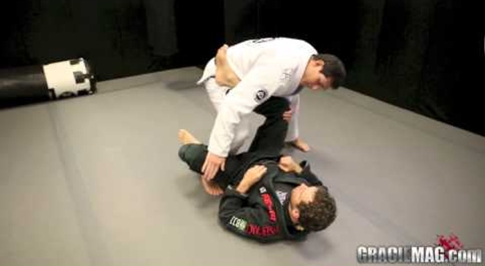 BJJ: Roger Gracie teaches a leg drag guard pass
