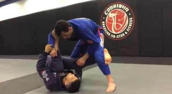 BJJ lesson: Isaac Doederlein shows how to sweep on the reverse DLR to get to the leg drag
