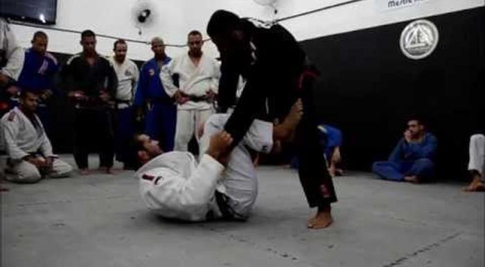 Uma aula de Jiu-Jitsu com Rodolfo Vieira e Leandro Lo