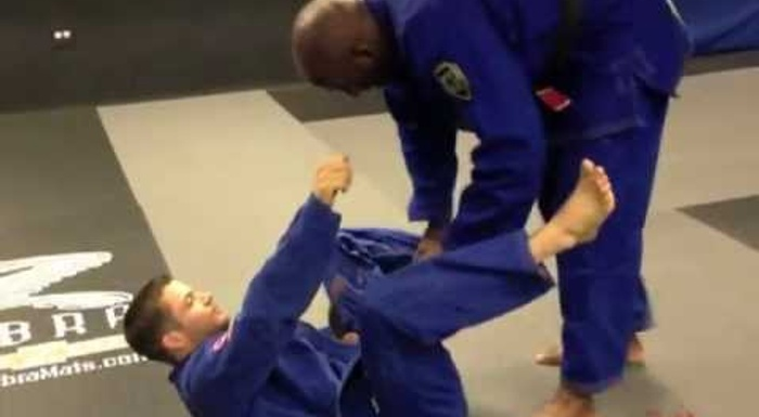 BJJ lesson: Lloyd Irvin teaches an armbar