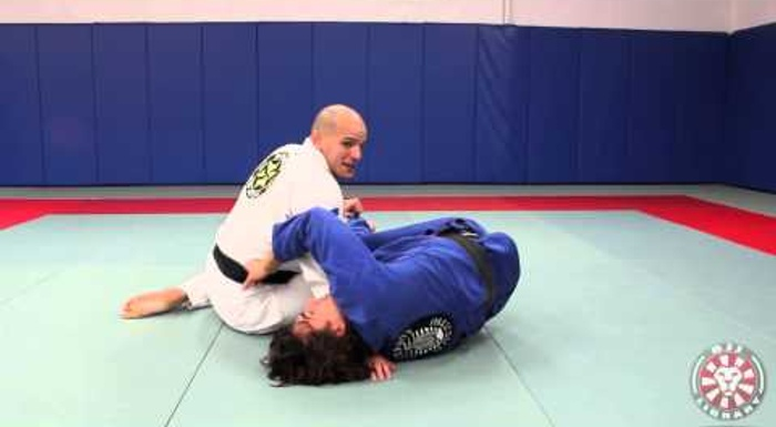 BJJ: Xande Ribeiro teaches a way to counter the berimbolo sweep with the gangster cross-face