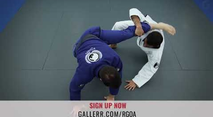 X-guard sweep starting from the De la Riva guard