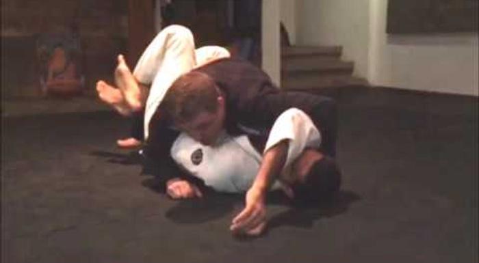 Jiu-Jitsu: Faixa-preta de Carlson Gracie ensina macete para passar a meia-guarda e chegar a montada