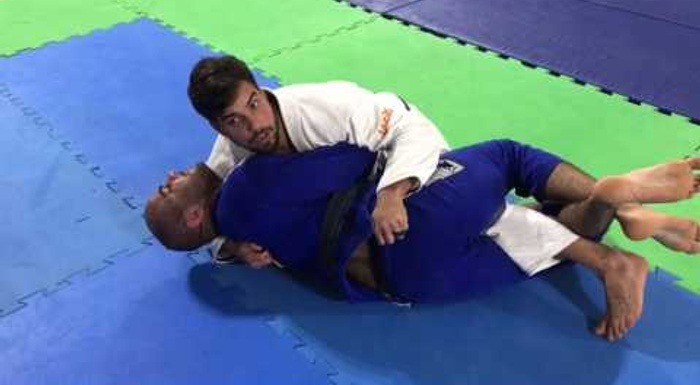 BJJ: Learn how to beat the half-guard and gain the mount at once