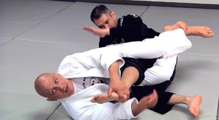 2 leg locks to help you beat the DLR guard in BJJ