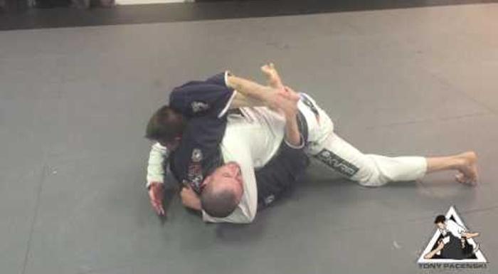 Brazilian Jiu-Jitsu technique: Meet the buggy choke