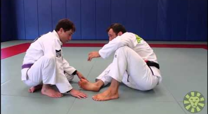 Brazilian Jiu-Jitsu lesson: Eduardo Telles shows turtle guard transitions and recovery