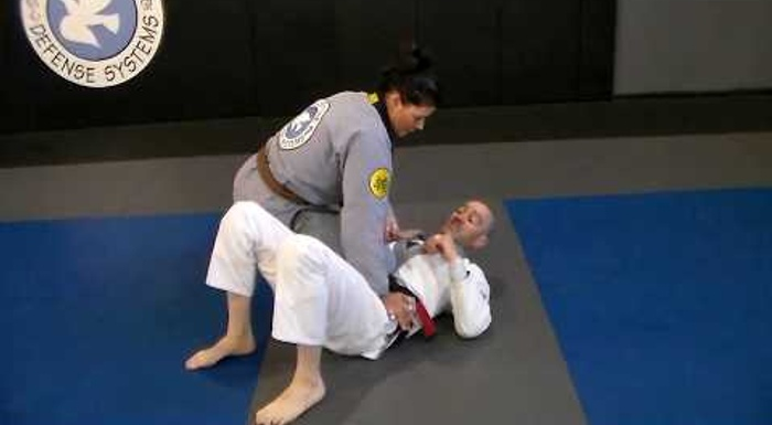 BJJ: 3 ways to escape the knee-on-belly