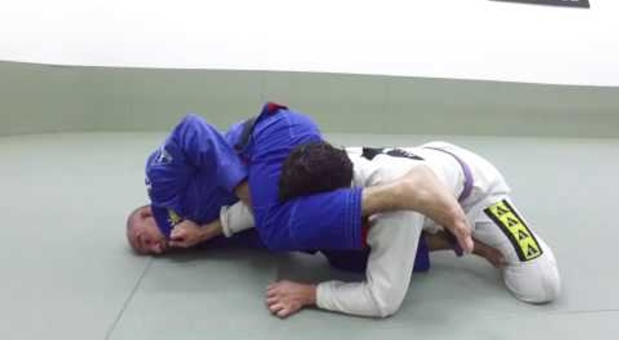 Jiu-Jitsu: Fabio Gurgel teaches a reverse armbar from the de la Riva