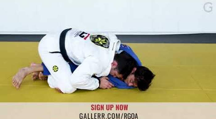 BJJ lesson: techniques for regaining the mount