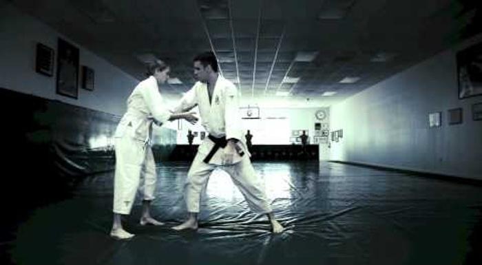 Brazilian Jiu-Jitsu: Learn 36 self-defense techniques for women in less than 3 minutes