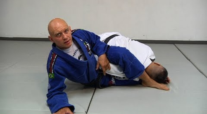 BJJ: Learn the differences between the omoplata, the baratoplata and the marceloplata