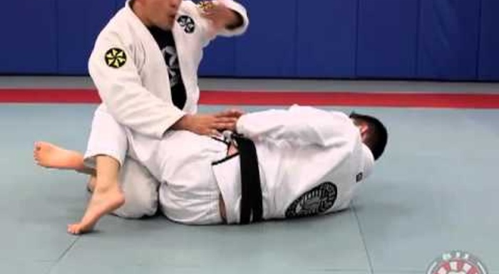 Learn the pummeling pass mechanic and conquer the half-guard in BJJ