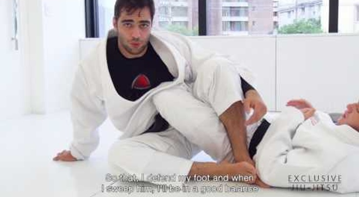 Luiz Panza teaches a lapel sweep to reach the 50/50 in BJJ