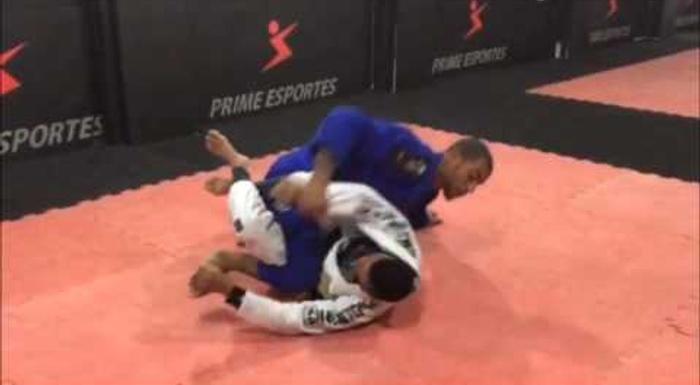 Erberth Santos mostra como pegar as costas a partir da 50/50 no Jiu-Jitsu