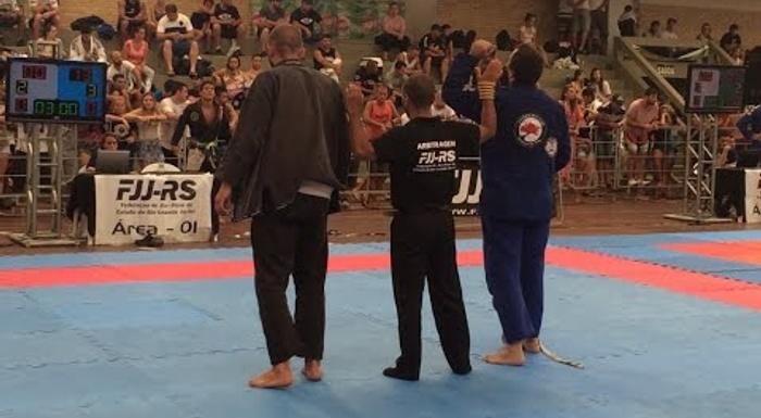 Meu 1º campeonato, minha 2ª luta, vitória 13 a 0! 2ª Etapa FJJRS 2015