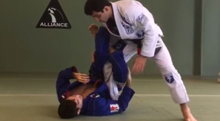 BJJ lesson: Lucas Lepri teaches how to pass the 50/50 guard