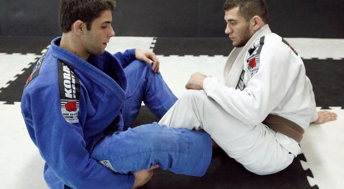 Brazilian Jiu-Jitsu: Marcus Buchecha ensina uma pegada pelas costas partindo da guarda sentada