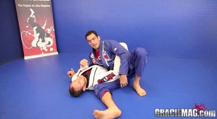 Brazilian Jiu-Jitsu lesson: Braulio Estima teaches an armbar from side control