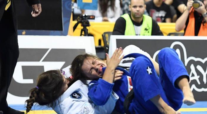 BJJ Worlds 2016: Mackenzie Dern vs. Michelle Nicolini