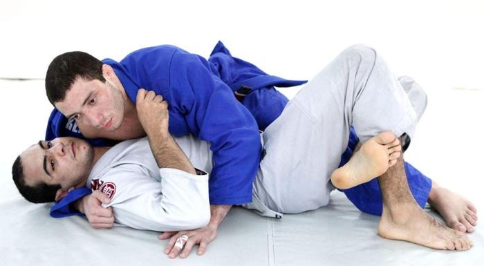 The world champion Bernardo Faria teaches a lapel guard sweep
