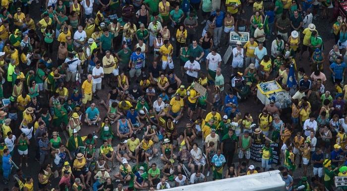 Um dia histórico. A historic day in Brazil