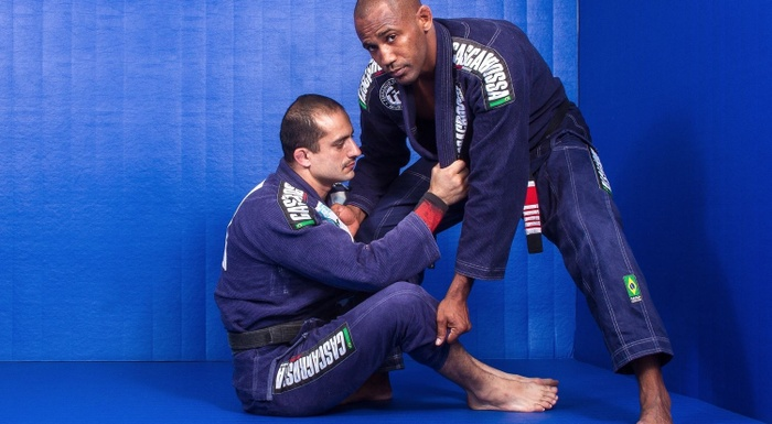 BJJ techniques: Fernando Tererê teaches how to apply the loop choke