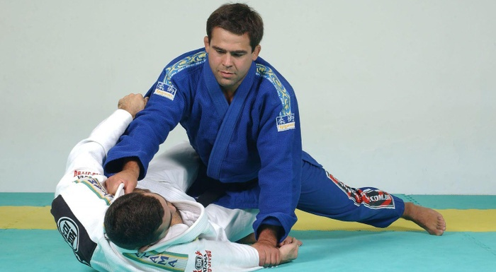BJJ techniques: Amaury Bitetti teaches how to finish starting from half guard