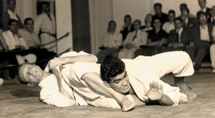 Historic! Images of Grandmaster Carlos Gracie