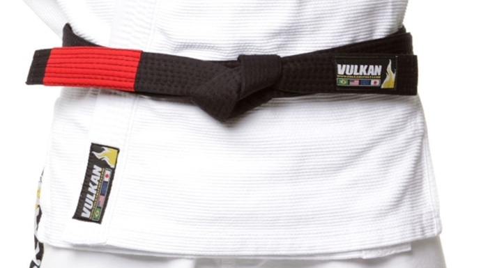How to correctly tie a BJJ belt