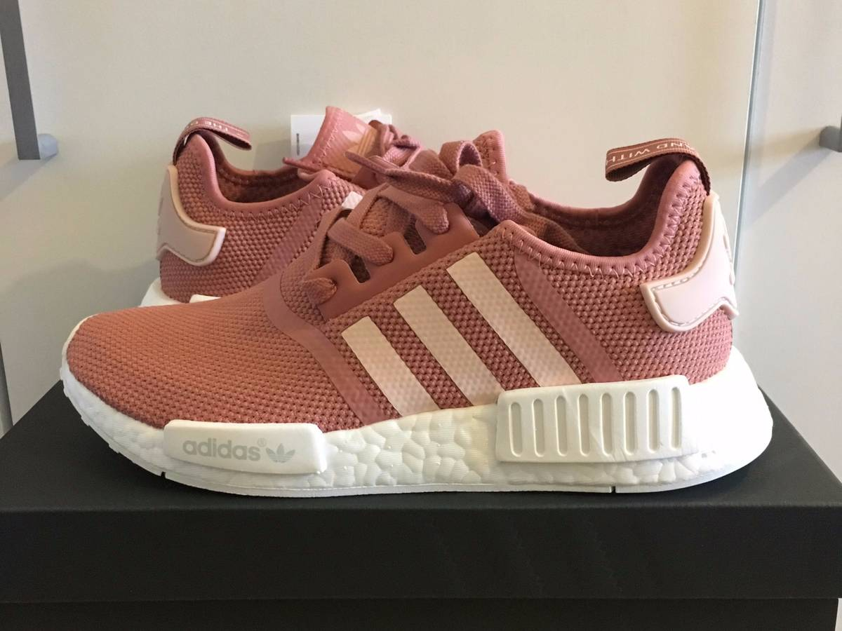 Nmd salmon in Melbourne Region, VIC Australia Free Local