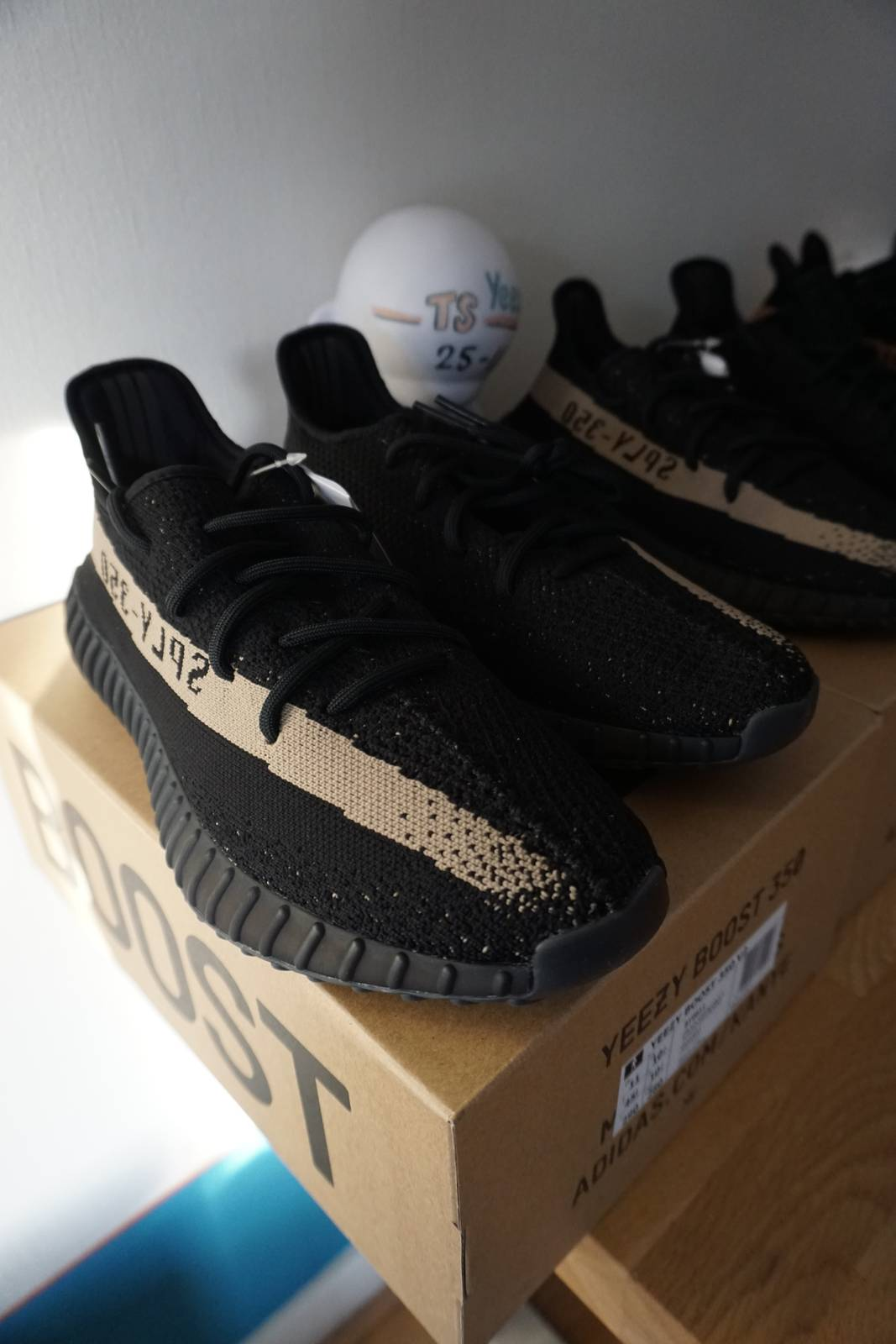 Authentic Adidas Yeezy 350 V2 Blade Black Review AB Totaal
