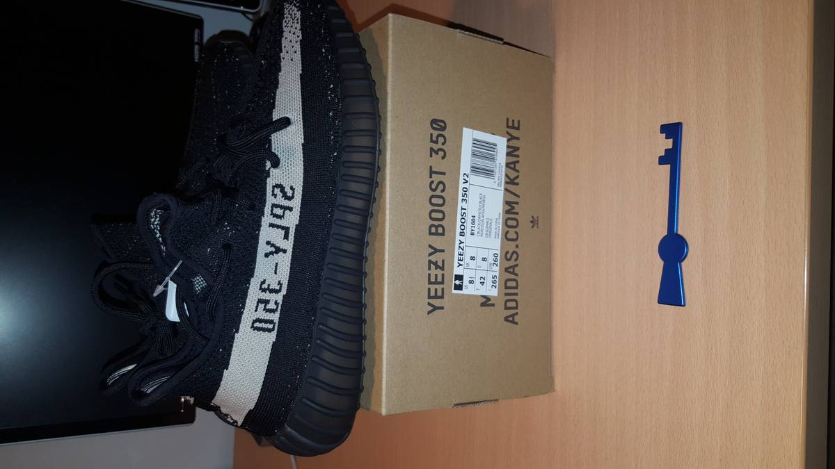 Adidas Yeezy Boost 350 V2 Black/White - photo 1/6