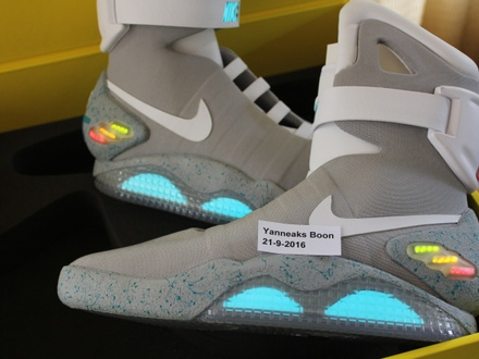 Nike Air Mag Back To The Future 2011 US 11 - photo 1/7