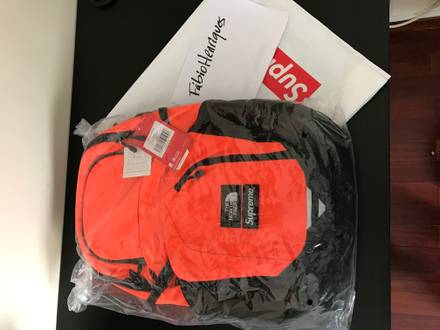 Supreme x The North Face Backpack - photo 1/3