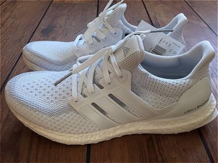 <strong>Adidas</strong> <strong>Ultra</strong> <strong>Boost</strong> <strong>Triple</strong> <strong>White</strong> 2.0 - photo 1/8