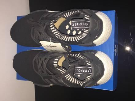 Adidas yeezy boost black colorway mens adidas nmd xr1 Cashflow Pro