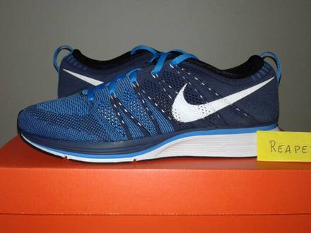 "Nike Flyknit trainer ""Squadron blue"" 8.5US / 7.5UK / 42EUR New - photo 1/3"