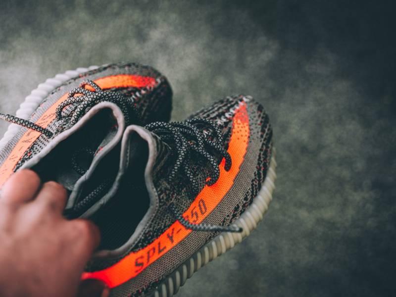 Kanye West Adidas Yeezy 350 V2 Cream White 2017 CP9366 Size 8